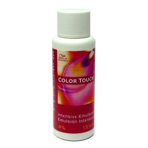 Emulsión Color Touch Wella Intensiva 4% 13vol 60ml